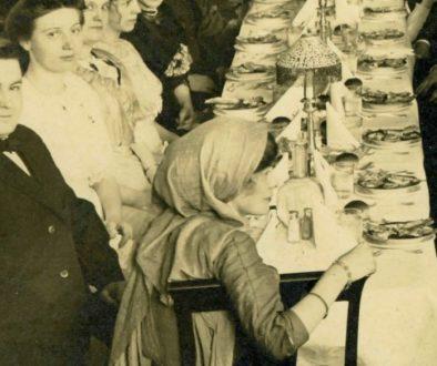 elisabeth-freeman-at-banquet-1913-featured